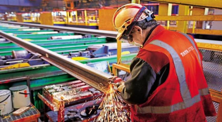 แรงงานอุตฯเหล็กชุมนุมต้านแผนควบกิจการ